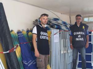 Calabria – Sequestrati 2 stabilimenti balneari abusivi