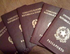 Calabria – Falsi documenti a stranieri, arrestato latitante