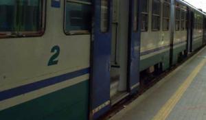 treno_regionale_fermo_copia