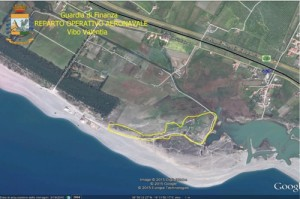 Sequestrata mega-discarica abusiva sulla costa nel catanzarese