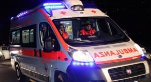 Si ribalta su A1 bus partito dalla Calabria. 18 feriti, tre gravi
