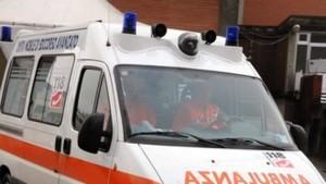 Scontro frontale tra due auto sulla SS 106, due morti