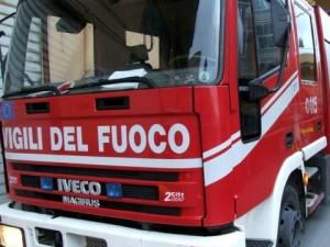 Calabria – Due escavatori incendiati in un cantiere