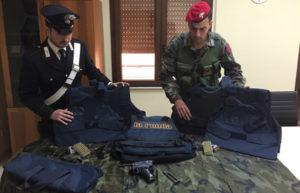 Pistola da guerra nascosta in canale di scolo, arrestato 32enne