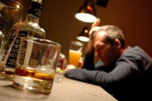 Alcolismo, la piaga sociale che sta dilagando fra i giovani