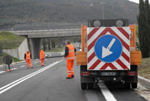 """Anas – Proseguono gli  interventi di adeguamento delle barriere di sicurezza sulla SS 106 """"Jonica"""""""