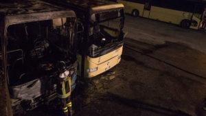 Girifalco – Due autobus delle Ferrovie della Calabria distrutti dalle fiamme