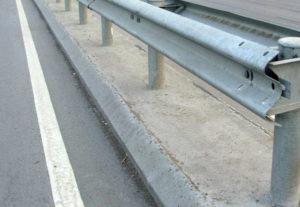 Sorpreso a rubare guardrail sull'A3, arrestato 53enne