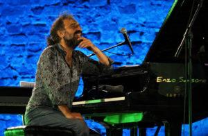 """Armonied'Artefestival – Stefano Bollani trionfa con il suo """"Napoli trip"""""""