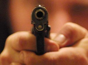 Uccide la ex a colpi di pistola e fugge, fermato 56enne calabrese