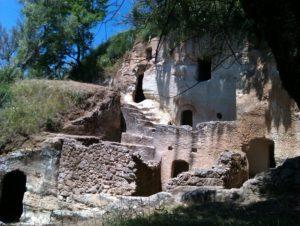 Domenica 16 Ottobre gita alle Grotte di Zungri e al Centro Storico di Tropea