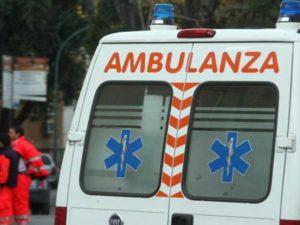 Scontro tra camion e furgone sulla Statale 18, 7 braccianti feriti