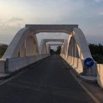Le strade e il sorpasso sul ponte