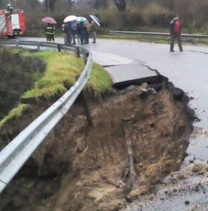Maltempo – Frane ed esondazioni a Serra San Bruno, strade chiuse