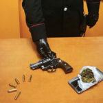 Olivadi – Nascondevano pistola e marijuana in auto, due giovani ai domiciliari