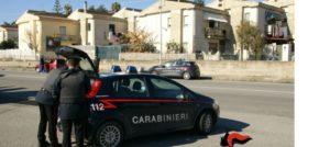 Montepaone – Sorpreso dai carabinieri mentre rubava un'auto, arrestato