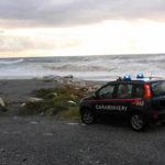 Tenta il suicidio gettandosi in mare, 60enne salvata dai carabinieri