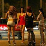 Prostituzione sulla SS 106, lucciole e clienti multati