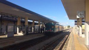 Calabria – Sulla Jonica il caso del mini-Intercity, costa di meno ma si viaggia in littorina