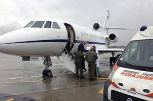 Neonata di 17 giorni in pericolo di vita trasportata a Roma con aereo militare