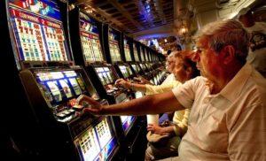 """Gioco azzardo, """"perdo, ma non smetto"""". Ecco il perché della dipendenza dall'azzardo"""