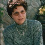 Luisetta Caporale di Badolato dona ai suoi ex-alunni una raccolta di loro temi