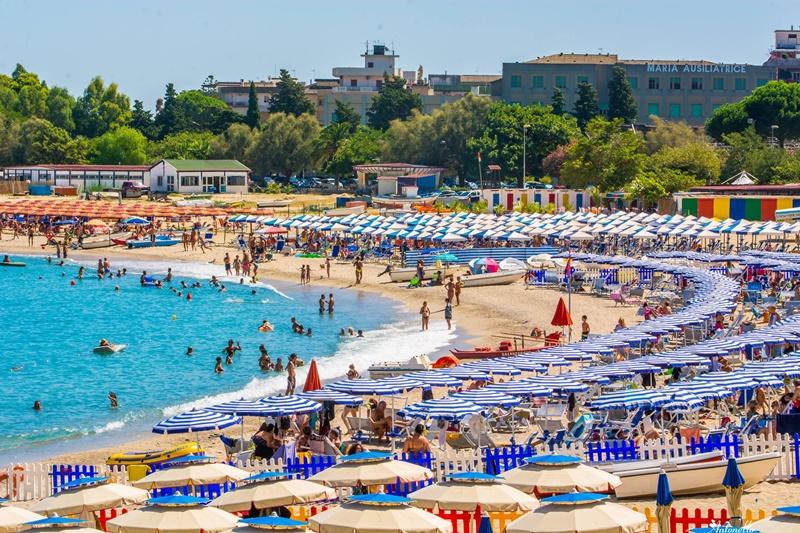 Matrimonio Spiaggia Soverato : Sulla bandiera blu a soverato web