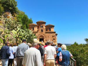 Centinaia di turisti tedeschi in visita all'antico borgo ed alla Cattolica di Stilo