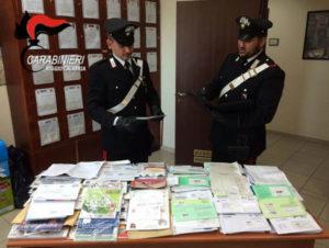 Non recapitava la posta e aveva in casa 40 kg di lettere, 39enne denunciato