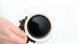 Overdose di caffeina, ragazzo muore a 16 anni per troppe bevande