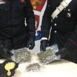 Fermati con 300 grammi di marijuana nello zainetto, due giovani arrestati