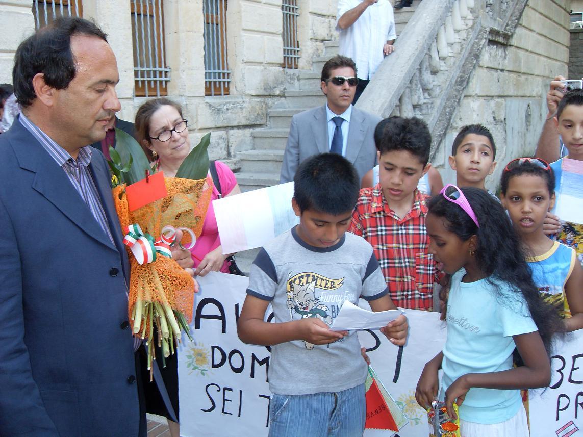 Democrazia Oggi - Riace: Lucano esiliato