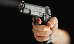Postino incensurato ferito in un agguato a colpi di pistola