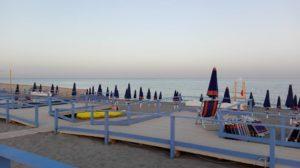 """Al Valentino Beach Club di Catanzaro Lido """"Libri sotto il sole"""""""