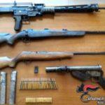 In cantina proiettili, mitragliatrici e fucili, arrestati
