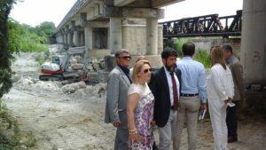 """Sul cantiere dei lavori di ricostruzione del ponte """"Allaro"""" a Caulonia, sopralluogo di Anas, Regione e Comuni della Locride"""