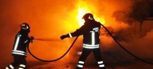 Girifalco – In fiamme le auto dell'ex sindaco e della moglie