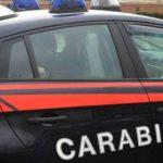 Maltratta i figli minori e ferisce un condomino, 38enne arrestata