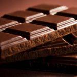 Elogio del cioccolato, anche la scienza dice che fa bene al cuore se ne mangiamo il giusto