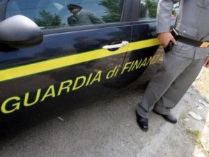 Scoperti della Guardia di Finanza falsi braccianti: danni per 1,6 milioni, denunciato imprenditore