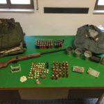 Nell'azienda armi e munizioni, arrestati due fratelli