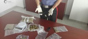 Pistola clandestina e marijuana in casa, due arresti