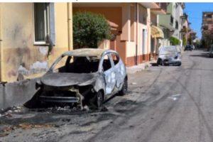 S. Caterina Jonio – A fuoco due auto, indagano i carabinieri
