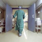 Catanzaro – Maltrattamenti ad anziana in clinica, 9 arresti tra medici e infermieri