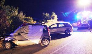 Scontro tra due auto: muore donna di 39 anni, tre feriti