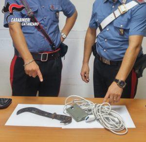 Isca Marina – Rapinano un giovane in macchina e si danno alla fuga, tre arresti