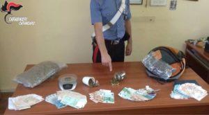 Circa un kg di droga e 13900 euro in contanti, arrestati due fratelli di Soverato