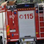 Incendia un furgone e lascia sul posto il cellulare, arrestato
