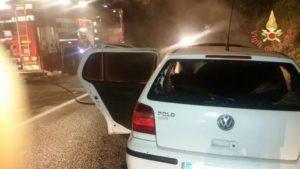 Auto in fiamme nel comune di Borgia