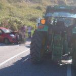 Scontro tra auto e trattore a Squillace, un ferito